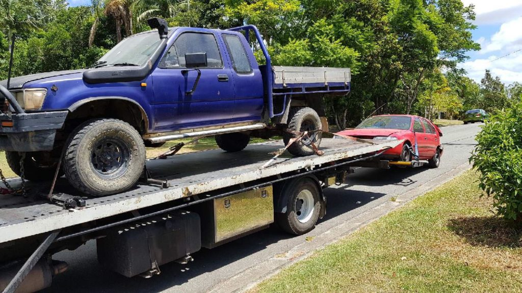 Cash for cars Toowoomba tow truck car removal of junk and scrap cars. Cash paid.